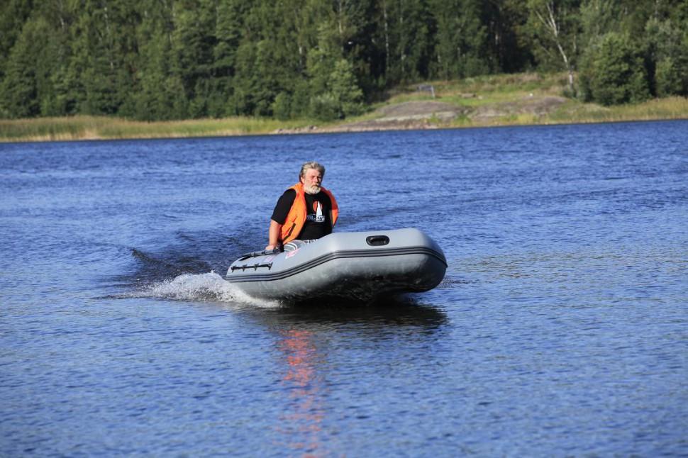 Лодка моторная посейдон викинг 340